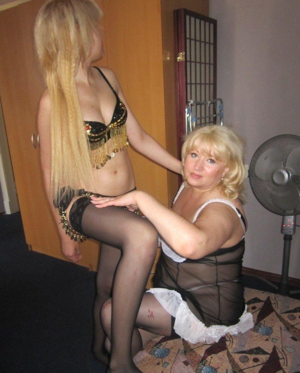 prostitutki-moskvi-mama-s-dochkoy